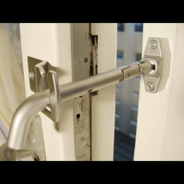 Distans till säkerhetsspärr balkongdörr